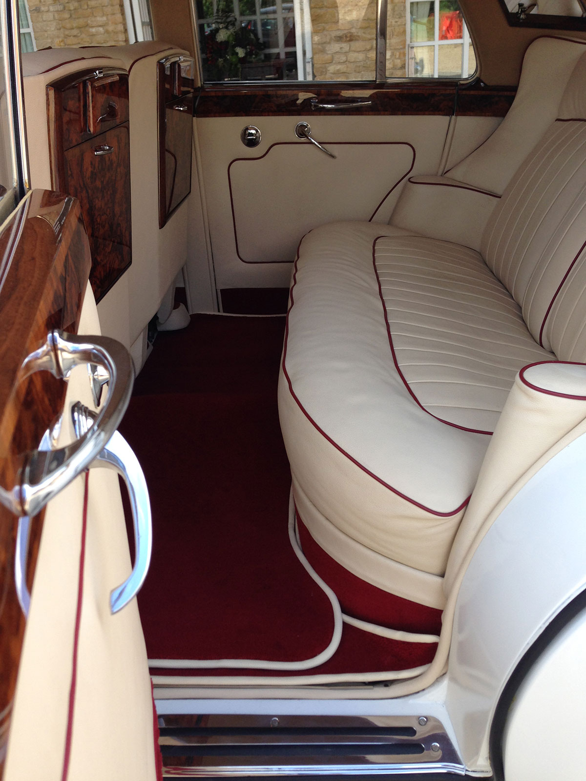 rolls royce silver cloud iii prestige classic wedding cars. Black Bedroom Furniture Sets. Home Design Ideas