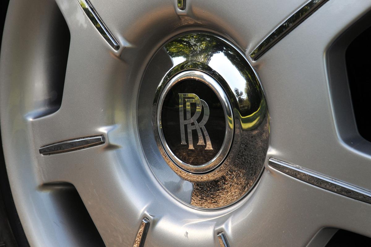 rolls royce phantom car hire prestige classic wedding cars. Black Bedroom Furniture Sets. Home Design Ideas