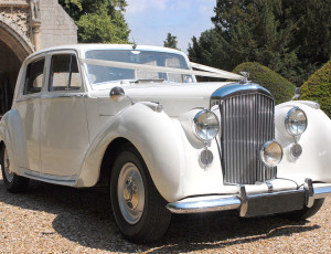 bentley-mk-vi-main