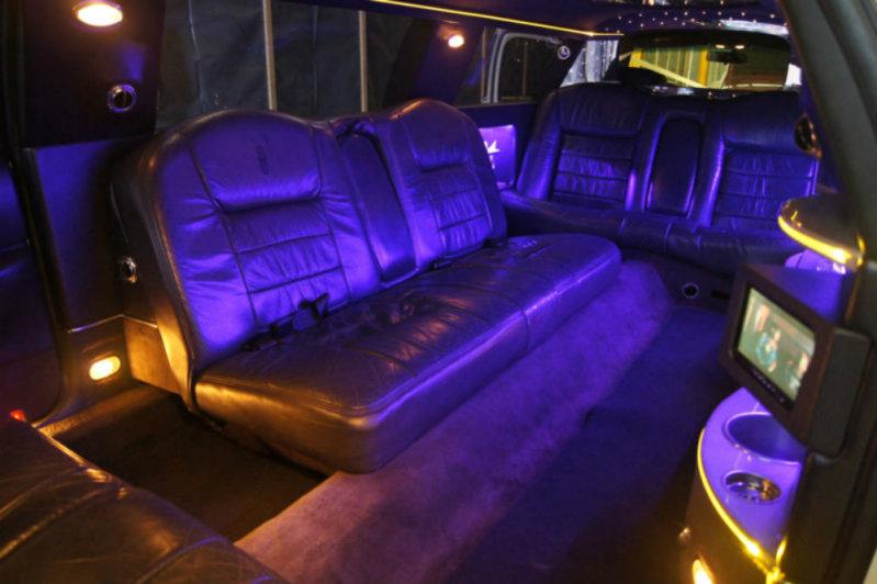 lincoln town car limousine prestige classic wedding cars. Black Bedroom Furniture Sets. Home Design Ideas